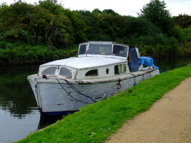 Boat on the River Brent
