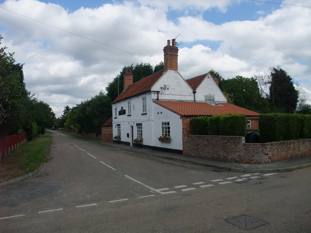 The Red Lion, South Clifton