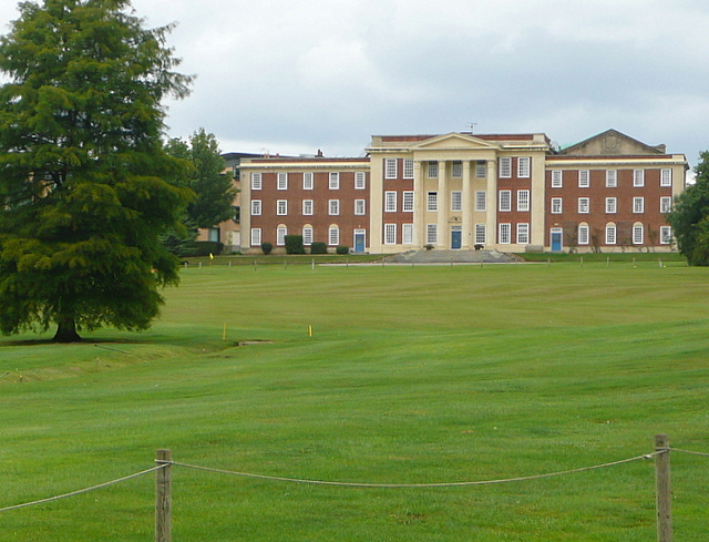 Stowe Park, the school
