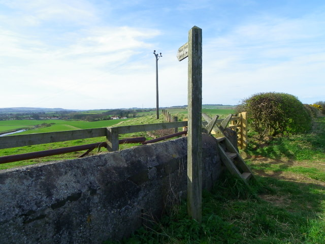 Stile and sign near Alnmouth