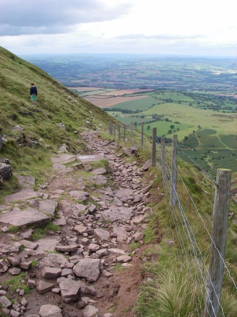 Restricted byway descends northern scarp of the Black Mountains
