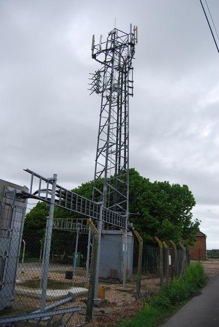Telecommunication mast, King's Barn Lane