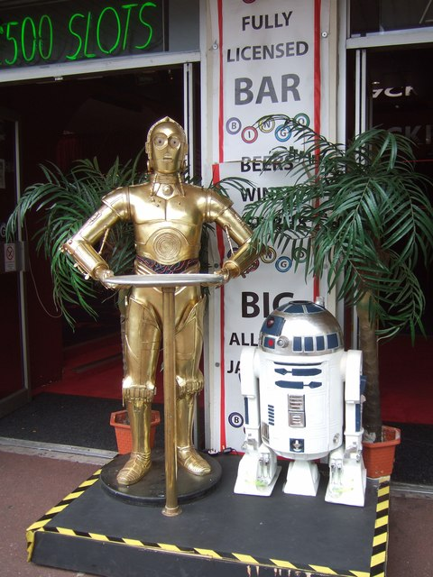 C-3PO and R2-D2, Torquay