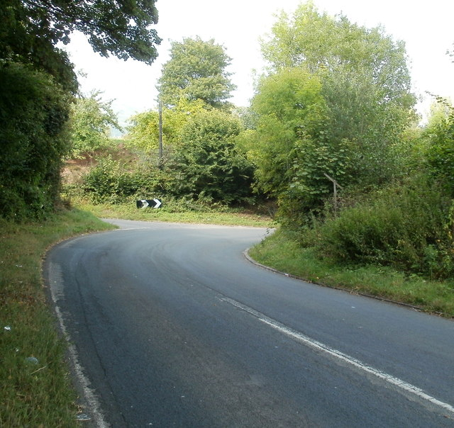 Sharp bend ahead, Hereford Road, Triley Mill