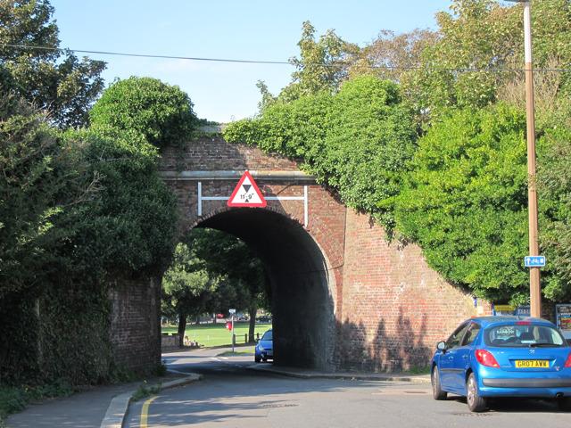 Railway bridge over Grange Road