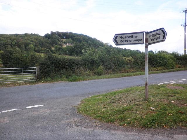 Minor road junction, Dinedor Common