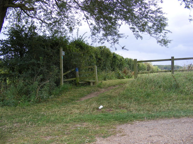 Footpath to Low Farm & Easton Hall