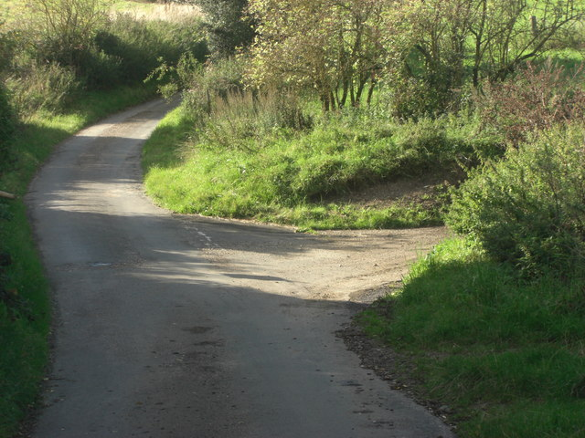 Lane junction west of Growcroft Copse