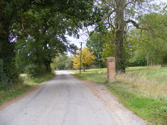 Hoo Road & Hoo Green Postbox
