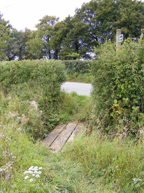 Footpath to Sandy Lane