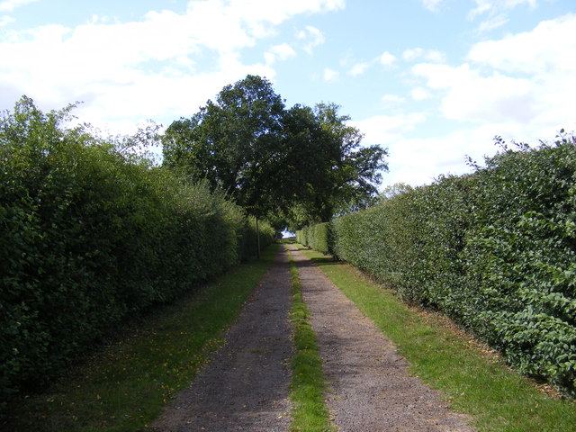 Byway to Villa Farm & Entrance to Warren's Farm