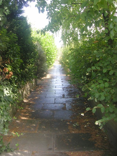 Footpath from Leeds Road to Simpson Grove