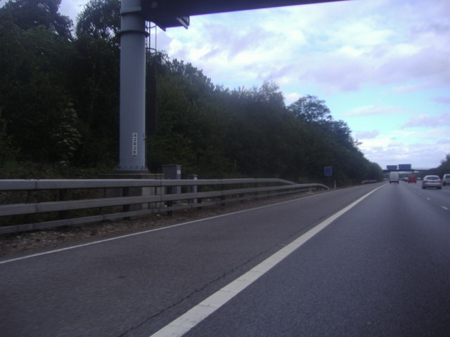 The M25 by Combe Bank