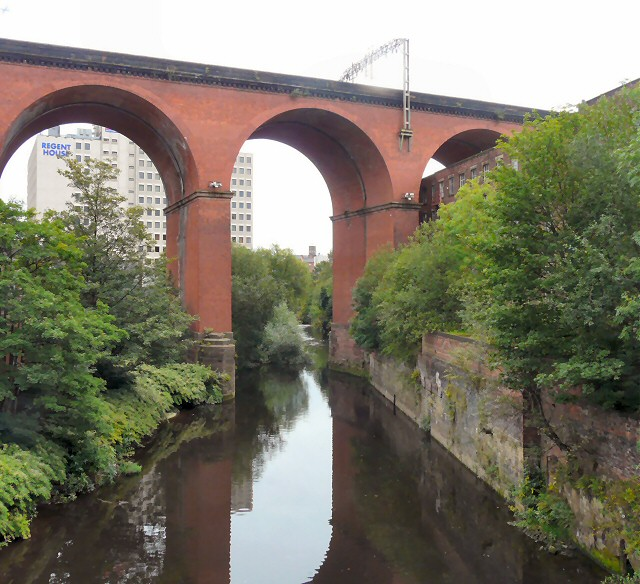 River Mersey under the viaduct