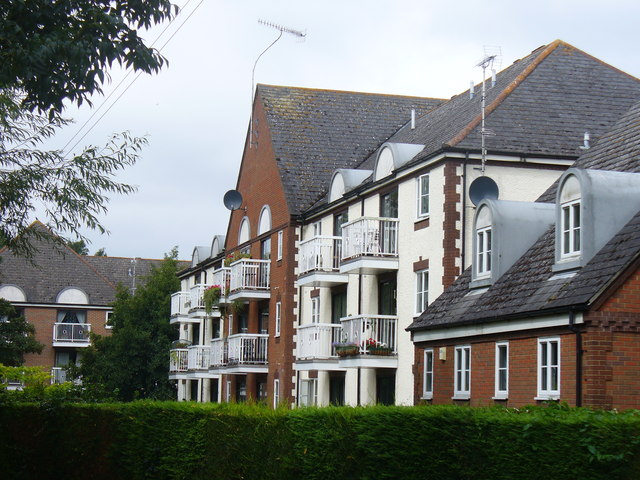 Flats by King's Pond