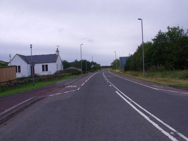 Lochside Cottage and the road north