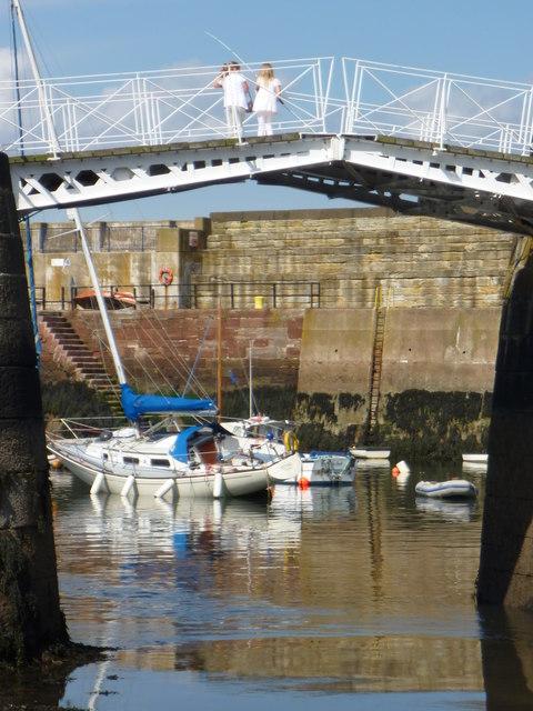 Coastal East Lothian : Youthful Enthusiasm at Victoria Harbour