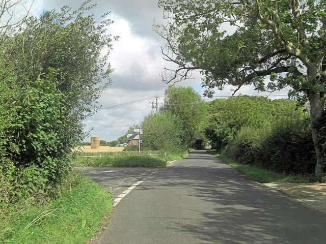 St Mary's Road junction with School Farm Lane