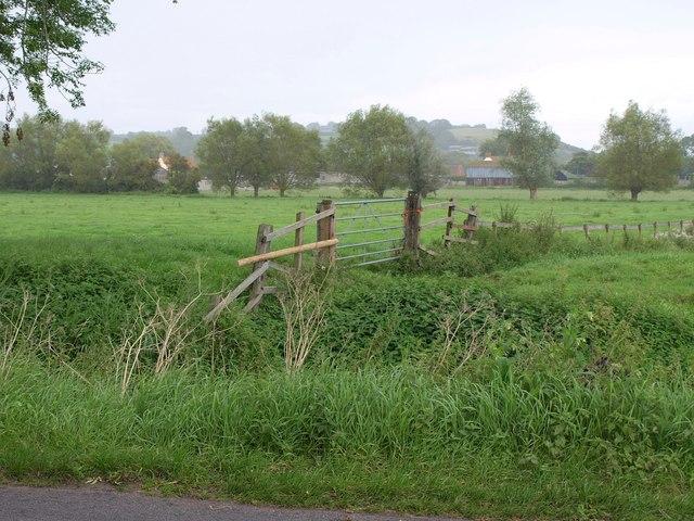 Towards Shott's Farm