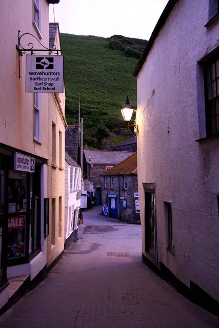 Fore Street to the harbour
