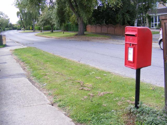 Chapel Road & 2,Newlands Postbox