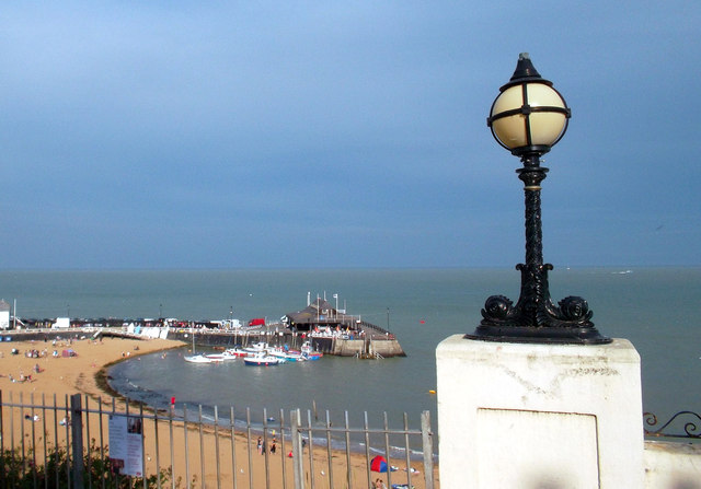 Broadstairs Harbour with Lamp