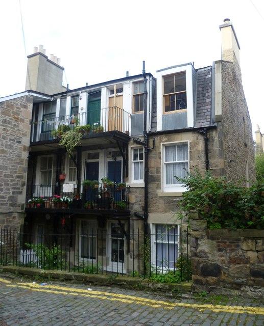 Houses in Gayfield Street Lane