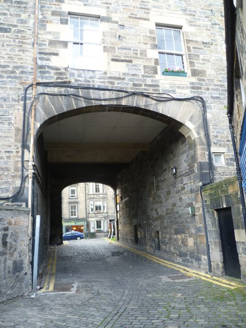 Pend from Montgomery Street Lane