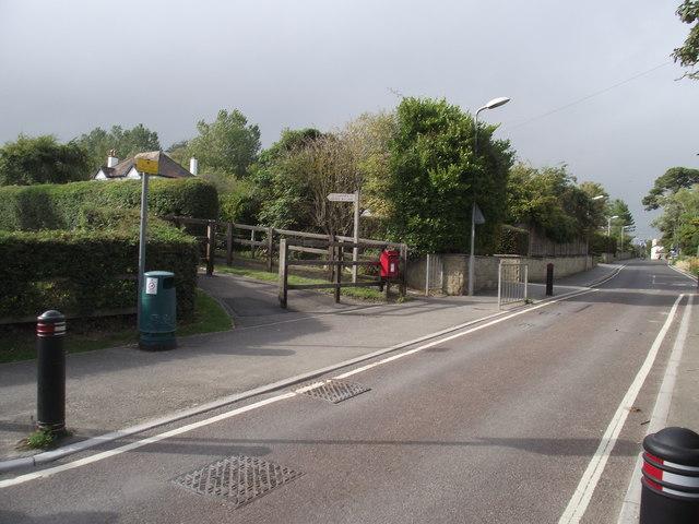Lower Sea Lane foot path