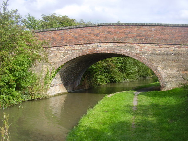 Oxford Canal-Bridge No 27