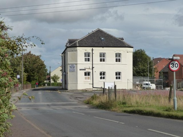 Former pub at the edge of Streethouse