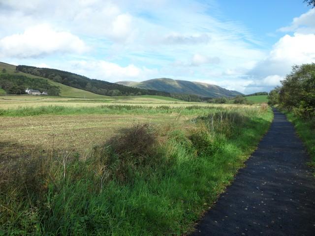 Farmland by the Strathkelvin Railway path