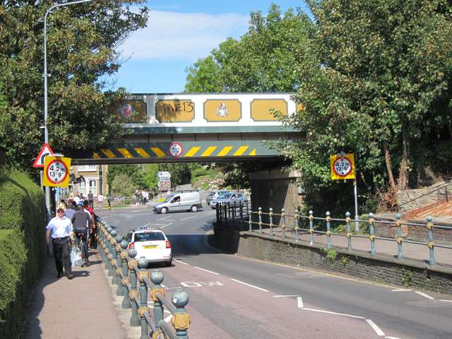 Railway bridge over Forbes Road