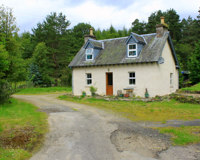 Drumbuie Lodge  by Dunkeld