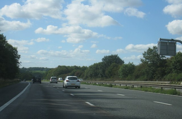 M4 passing Coombe Wood