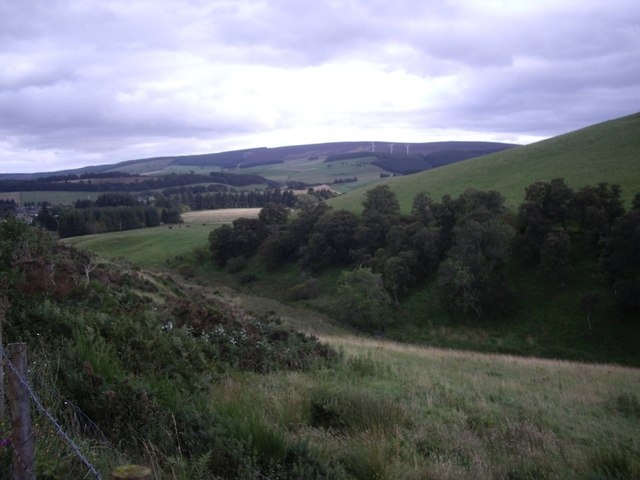 View southwards over the shoulder of Ord Hill