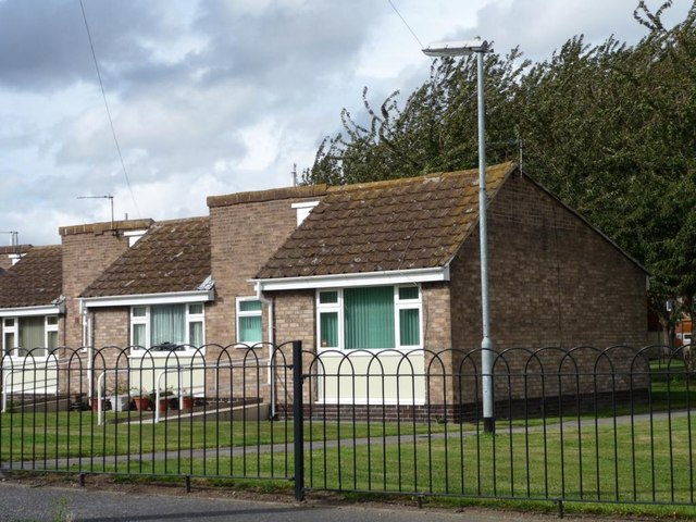 Old people's bungalows, Wentworth Road