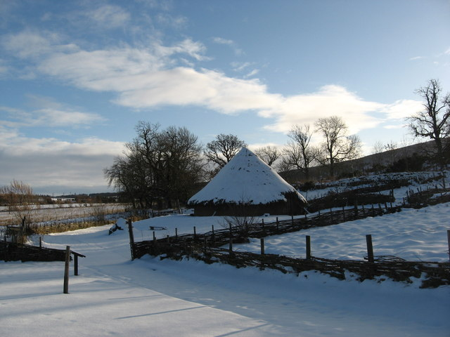 The Iron Age Roundhouse, Archaeolink, Oyne