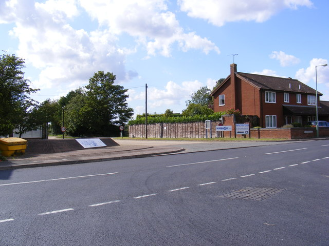B1o79 Helmingham Road & the footpath to Ipswich Road & the B1079