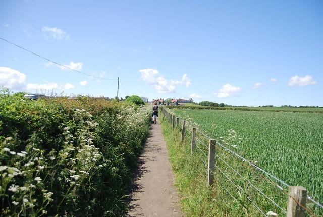 Footpath along Sea Lane