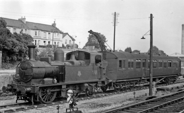 Auto-train from Ashburton arriving at Totnes