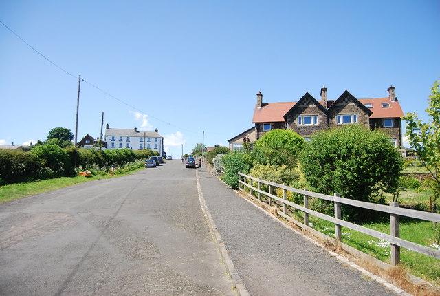 Sea Lane entering Embleton