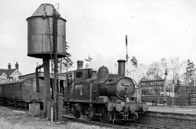 Wallingford Station, with auto-train and (detached) 0-4-2T