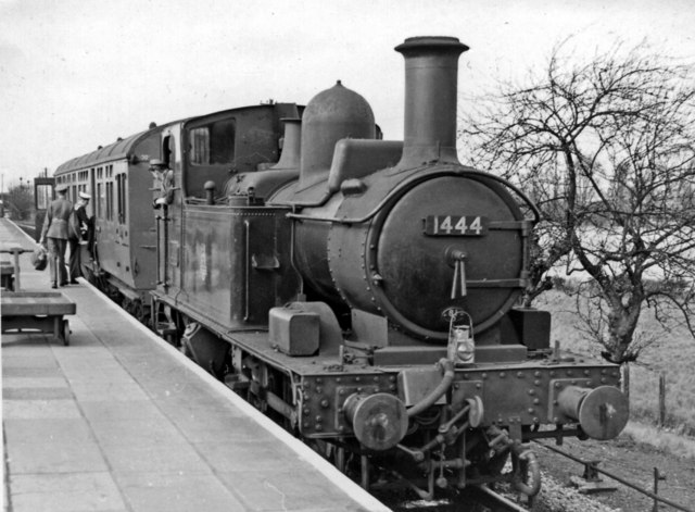 Wallingford branch auto-train at Cholsey & Moulsford Station