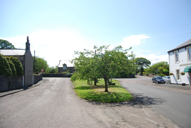 Village Green, Front St