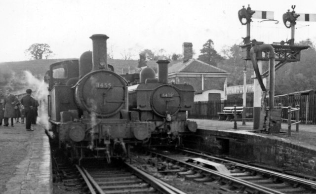Monmouth (Troy) Station, with local trains