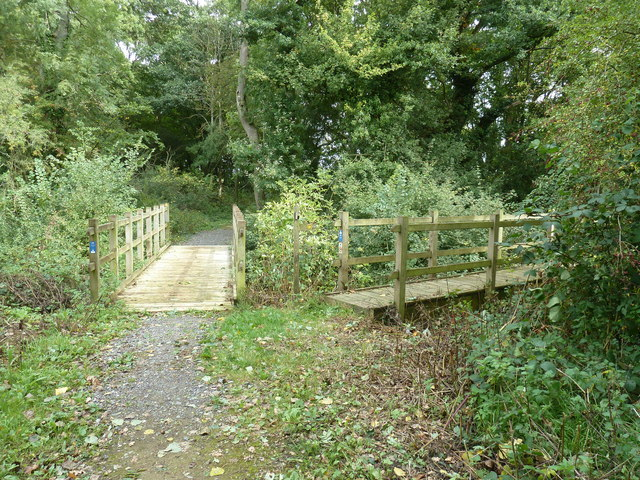 Bridleway bridge and footbridge off South Road