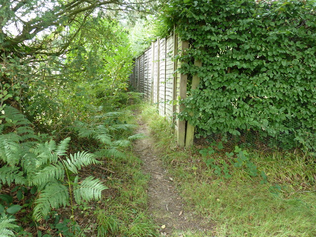 Very short footpath connecting bridleway with Beresford Lane