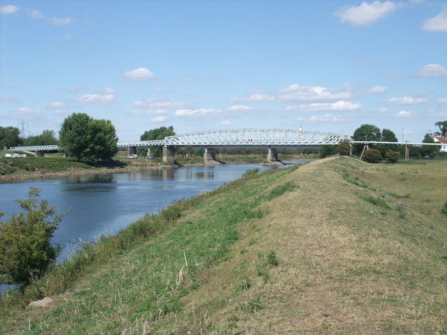 Pipeline bridge over the Trent
