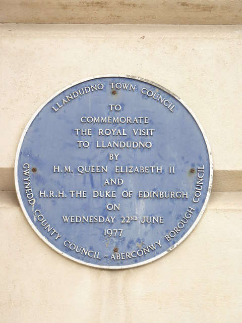 Royal visit plaque 1977  (English), Llandudno